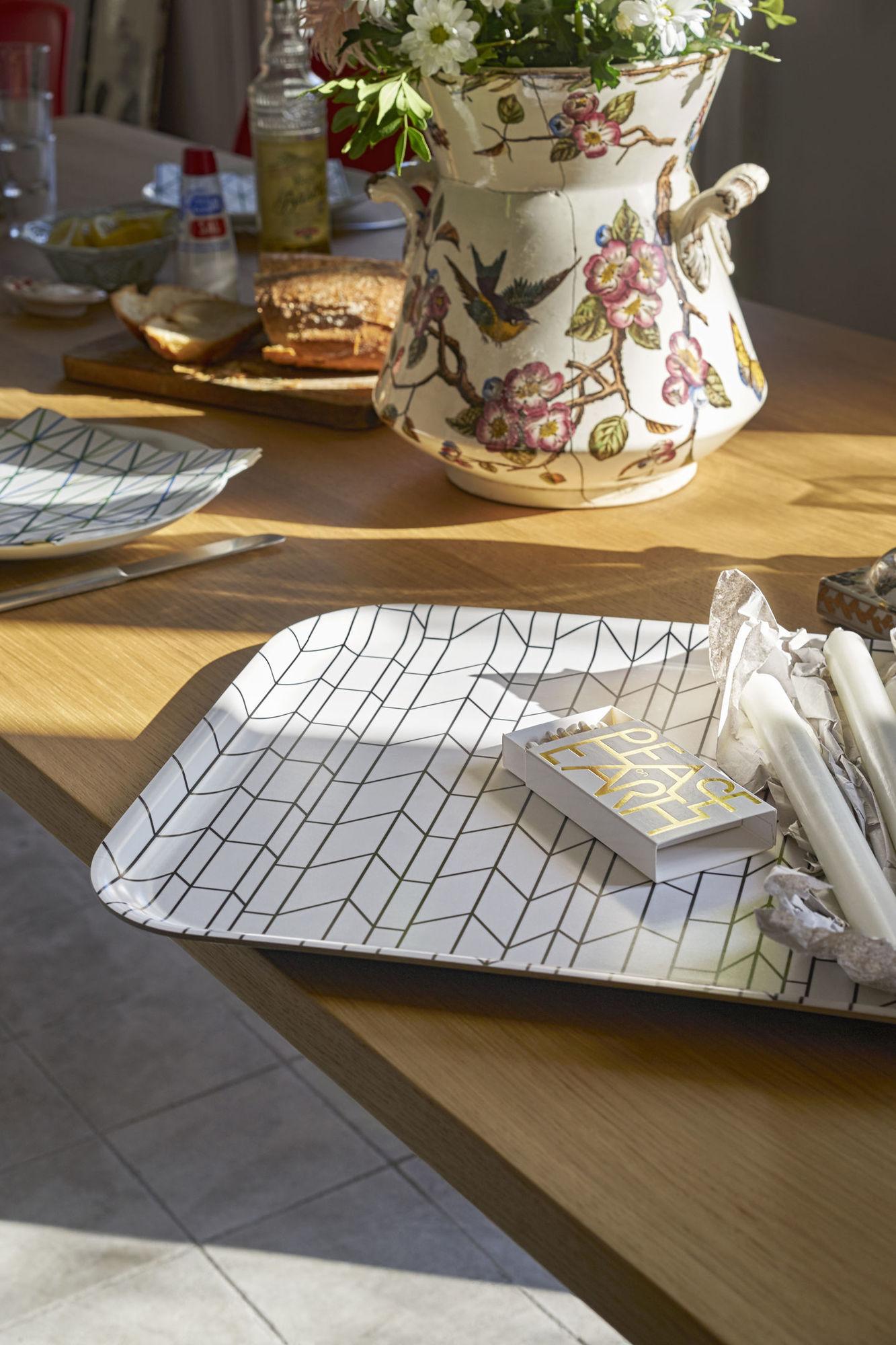 Classic Tray Medium Tablett Vitra