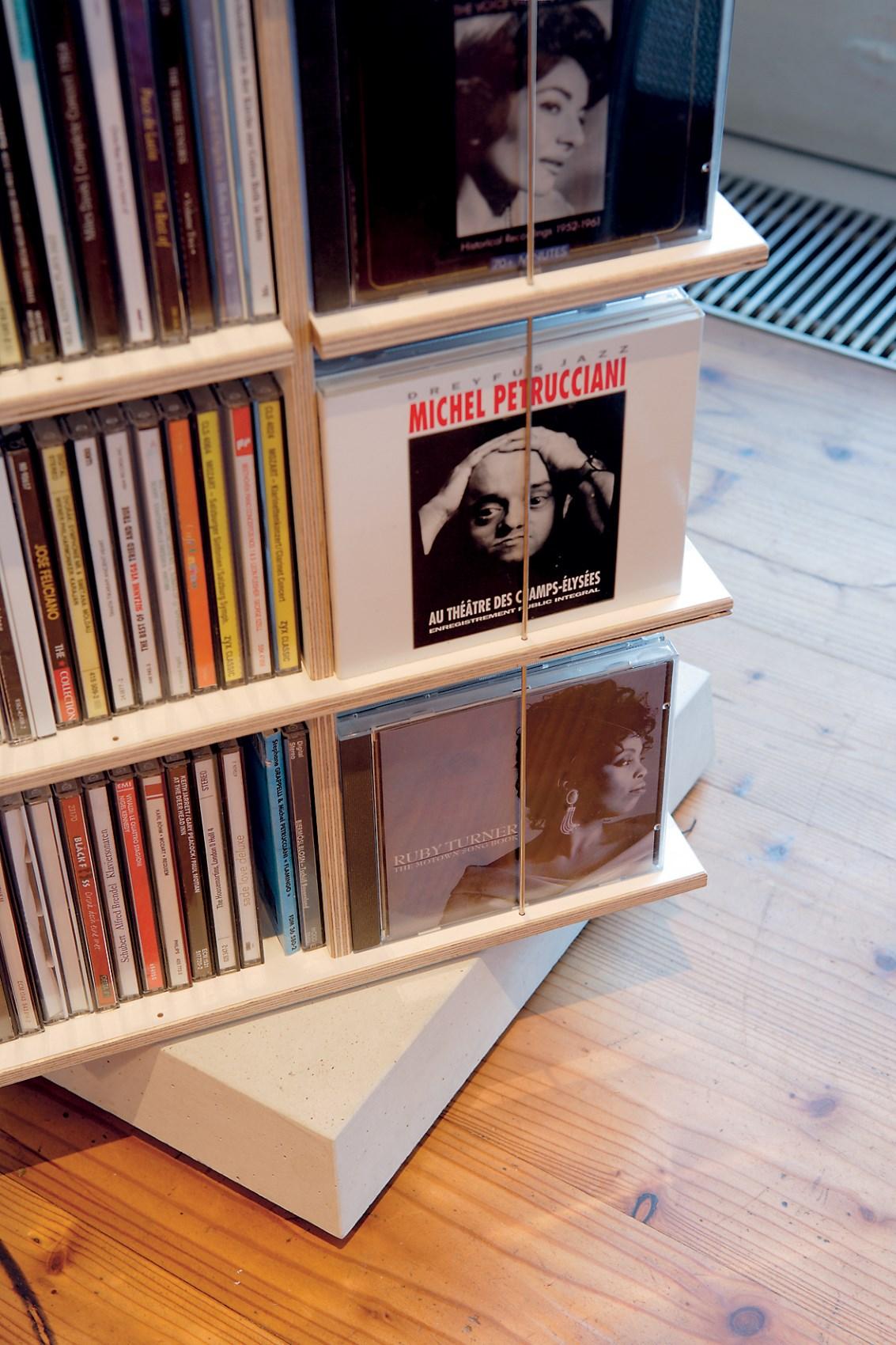 Musikstapler CD-Regal Nils Holger Moormann