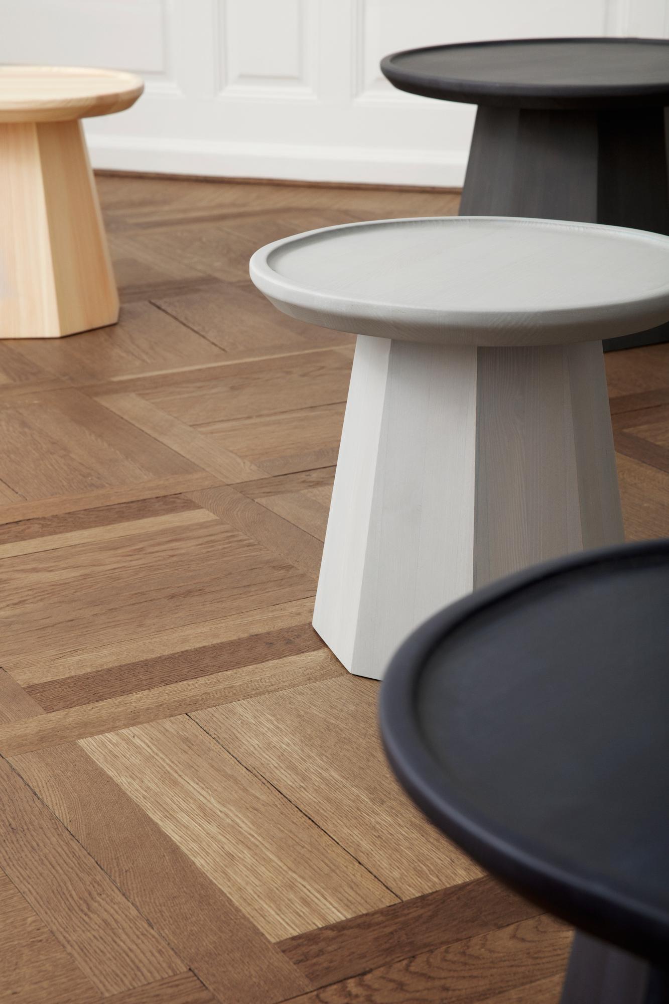 Pine Table Small Beistelltisch klein Normann Copenhagen Hell grau