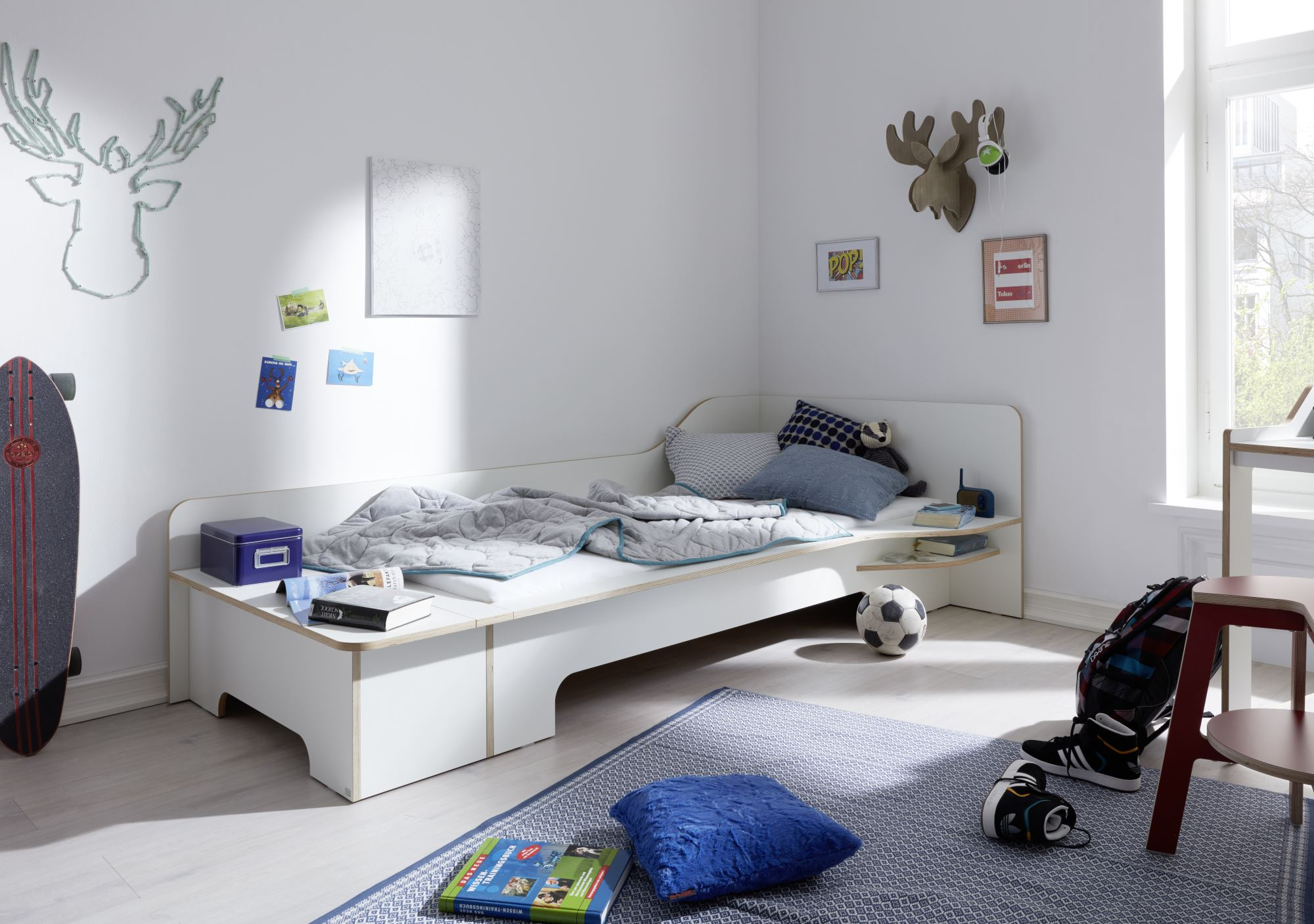 Plane Einzelbett mit Bettkasten Müller Möbelwerkstätten