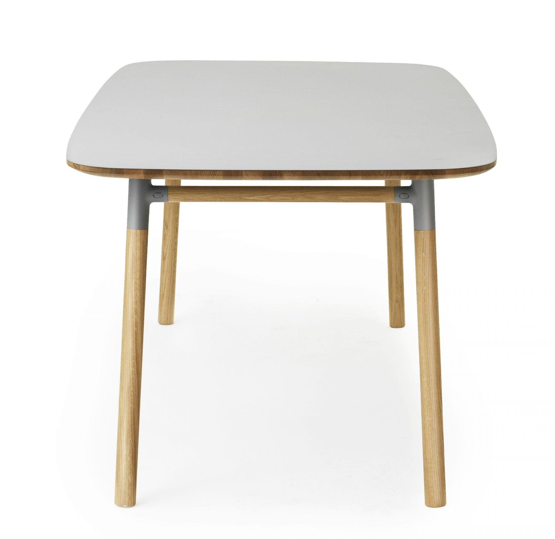 Form Tisch groß Normann Copenhagen-grün