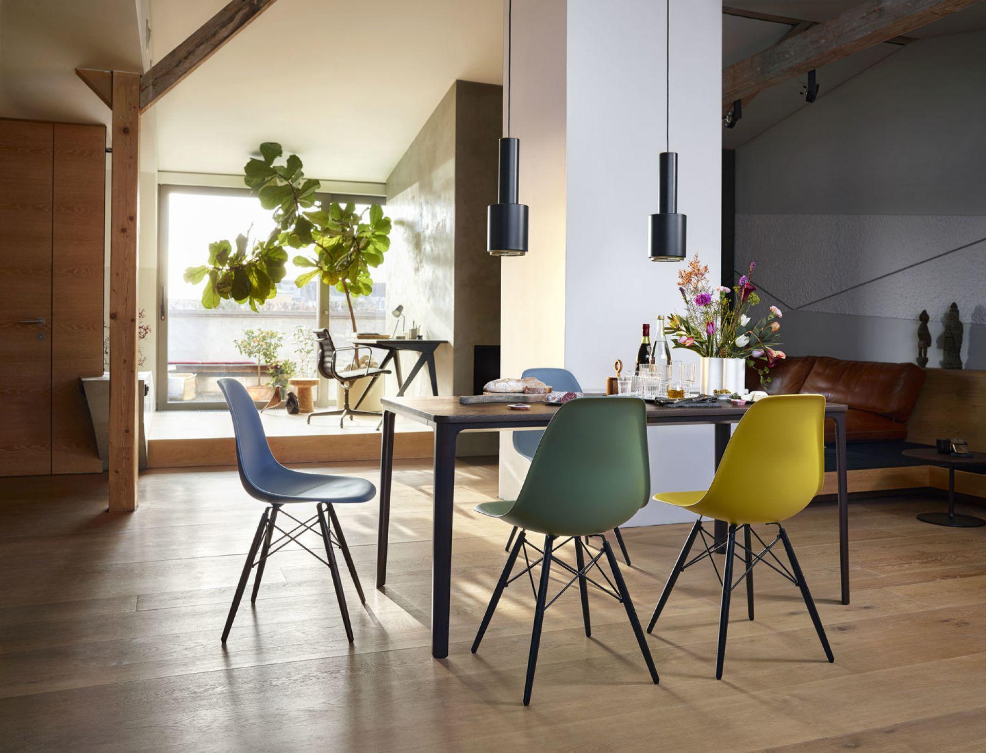 Eames Plastic Side Chair Dsw Stuhl Vitra Ahorn Dunkel Grun Vitra 44030500 95 42