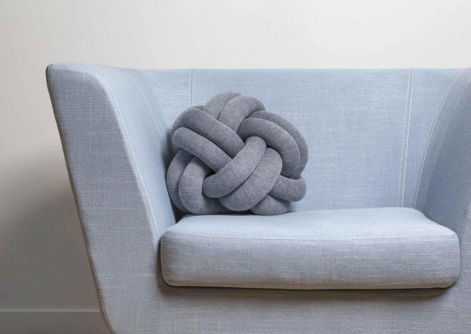 Knot Kissen Design House Stockholm-hellgrau