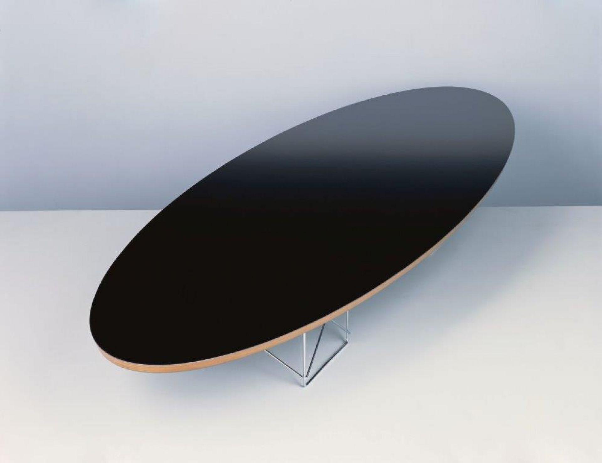 Elliptical Table ETR Eames Tisch Vitra