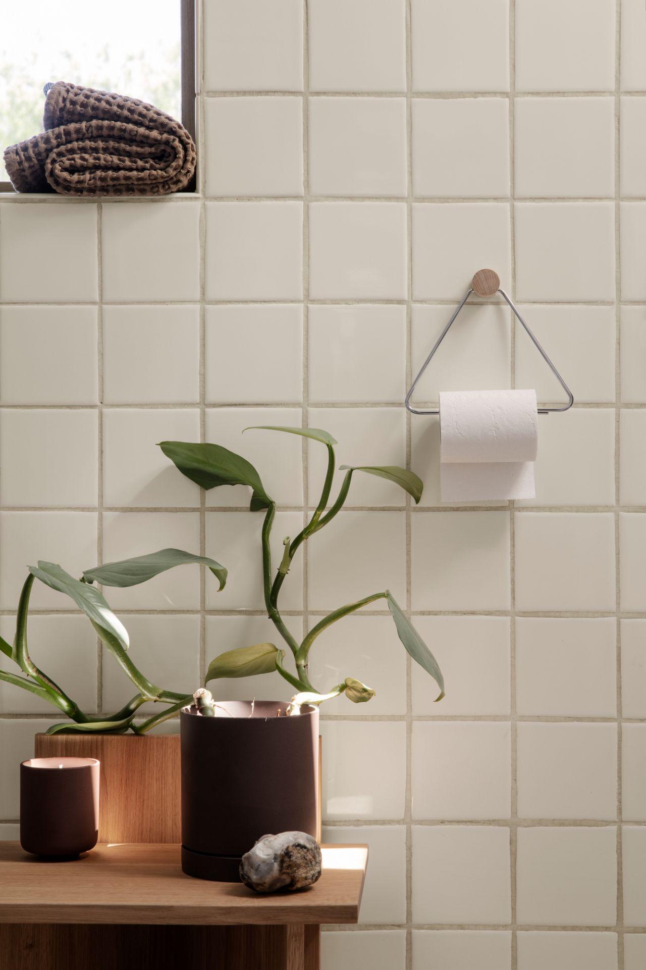 Toilet Paper Holder Toilettenpapierhalter Ferm Living schwarz