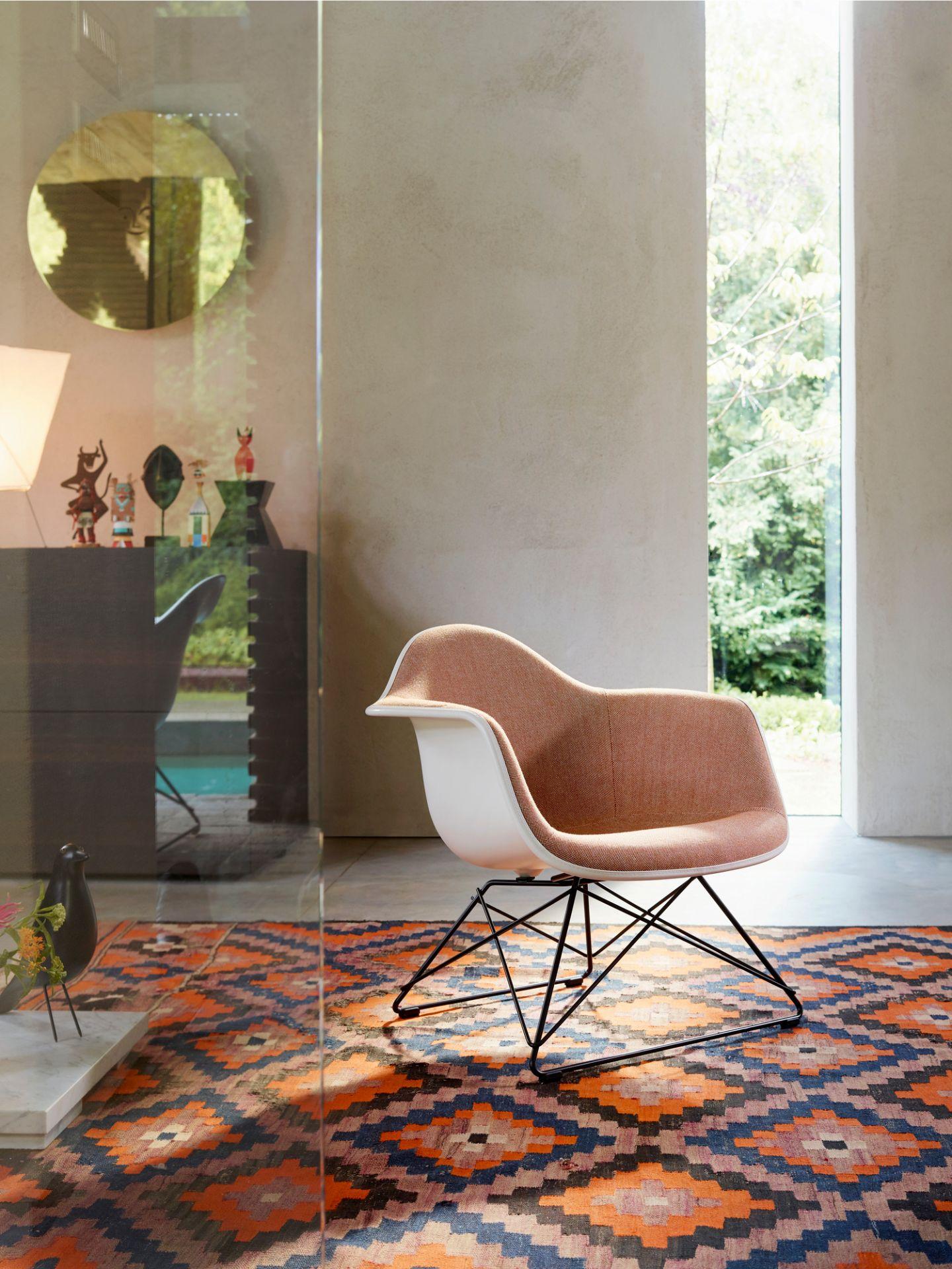 Eames Plastic Side Chair DSX Stuhl mit Sitzpolster Vitra