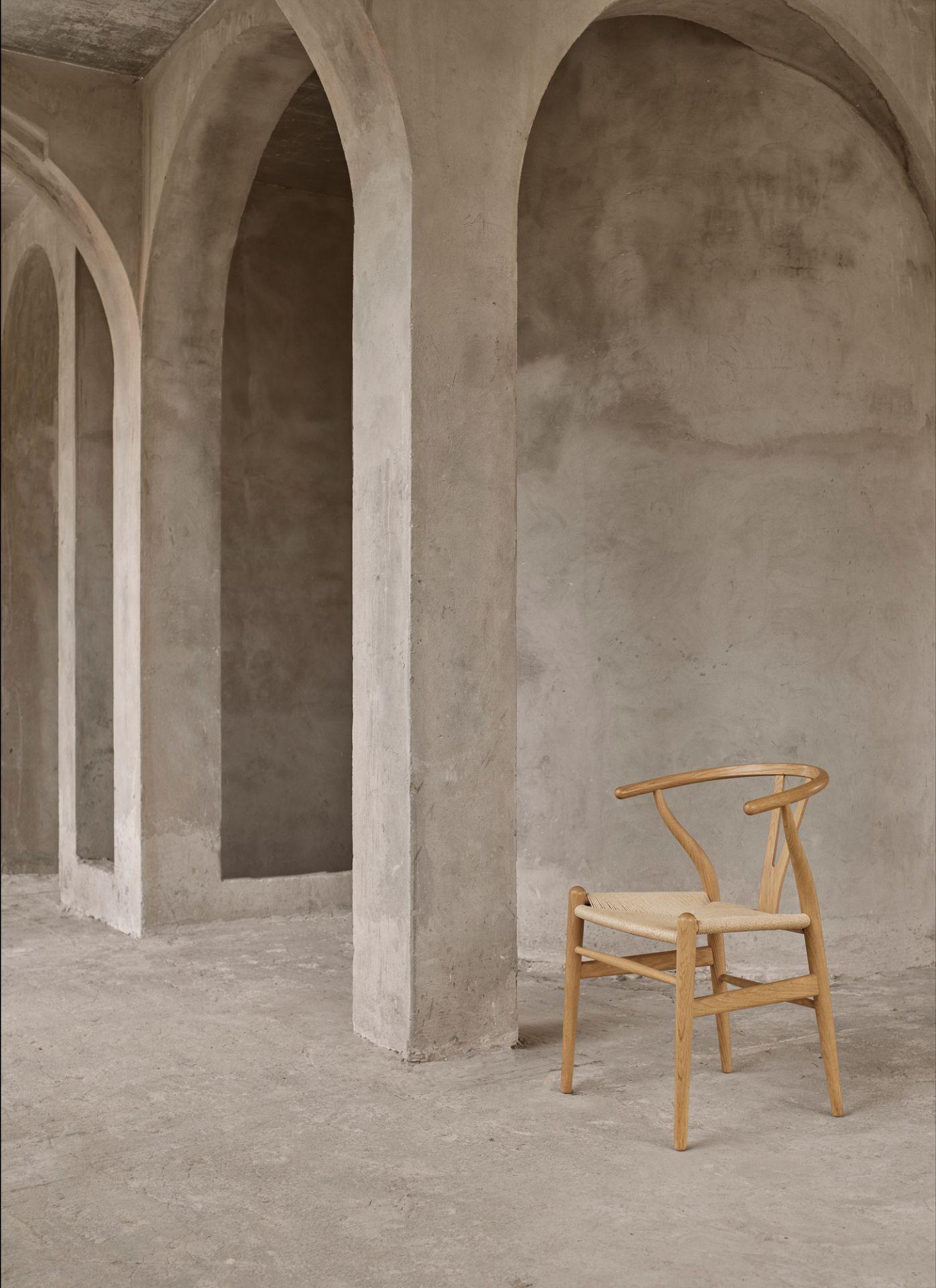 CH24 Wishbone Chair / Y-Chair Stuhl Esche geseift - Geflecht hell Carl Hansen & Søn