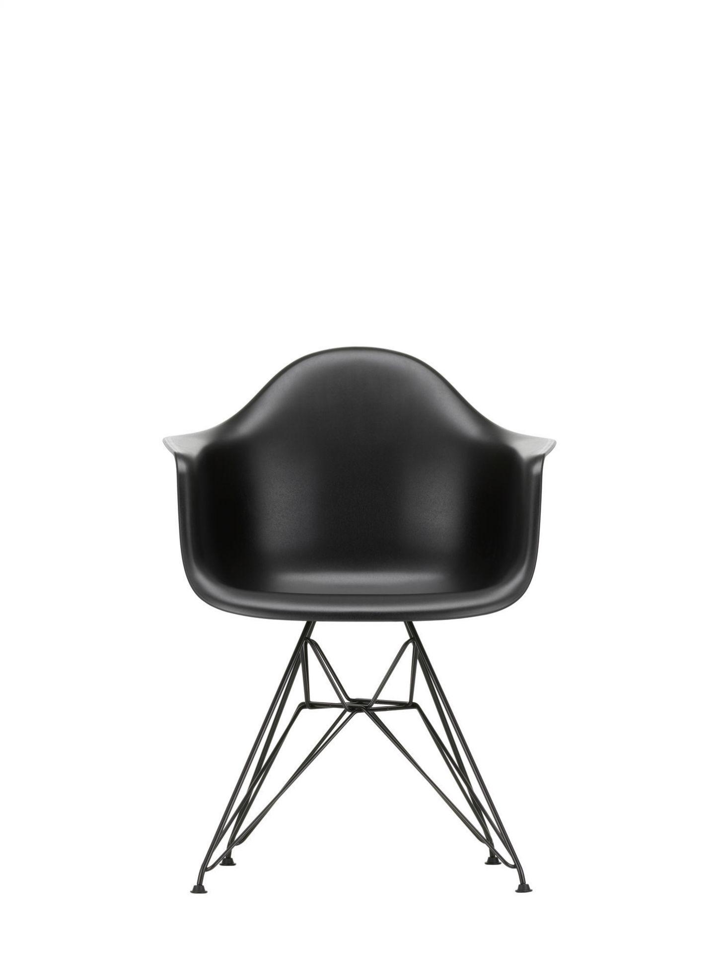 Eames Plastic Arm Chair DAR Stuhl Vitra Verchromt - Sunlight