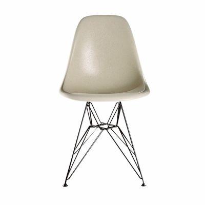 Eames Fiberglass Chair DSR Vitra