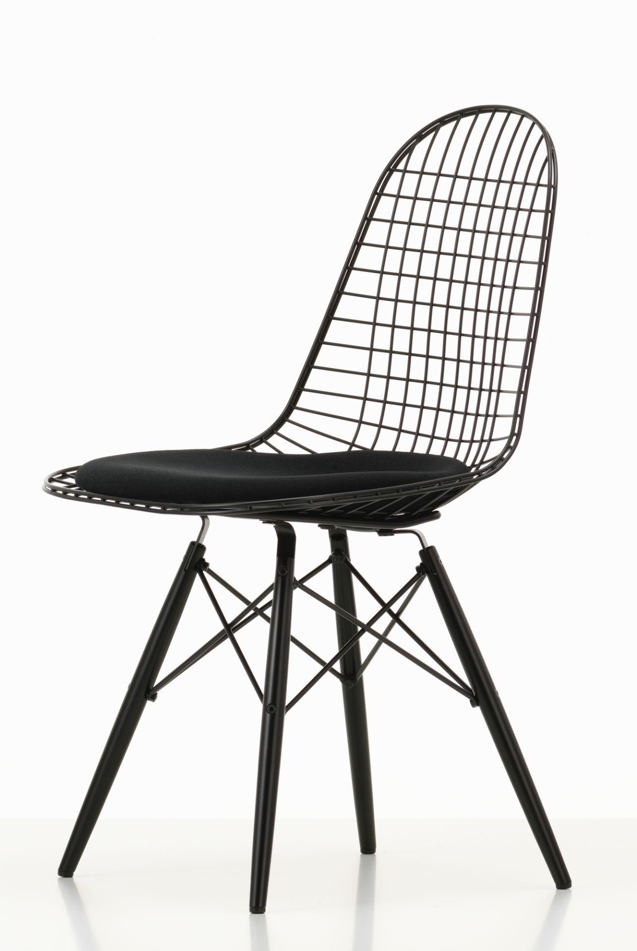 DKW-5 Wire Chair Stuhl mit Sitzkissen Vitra