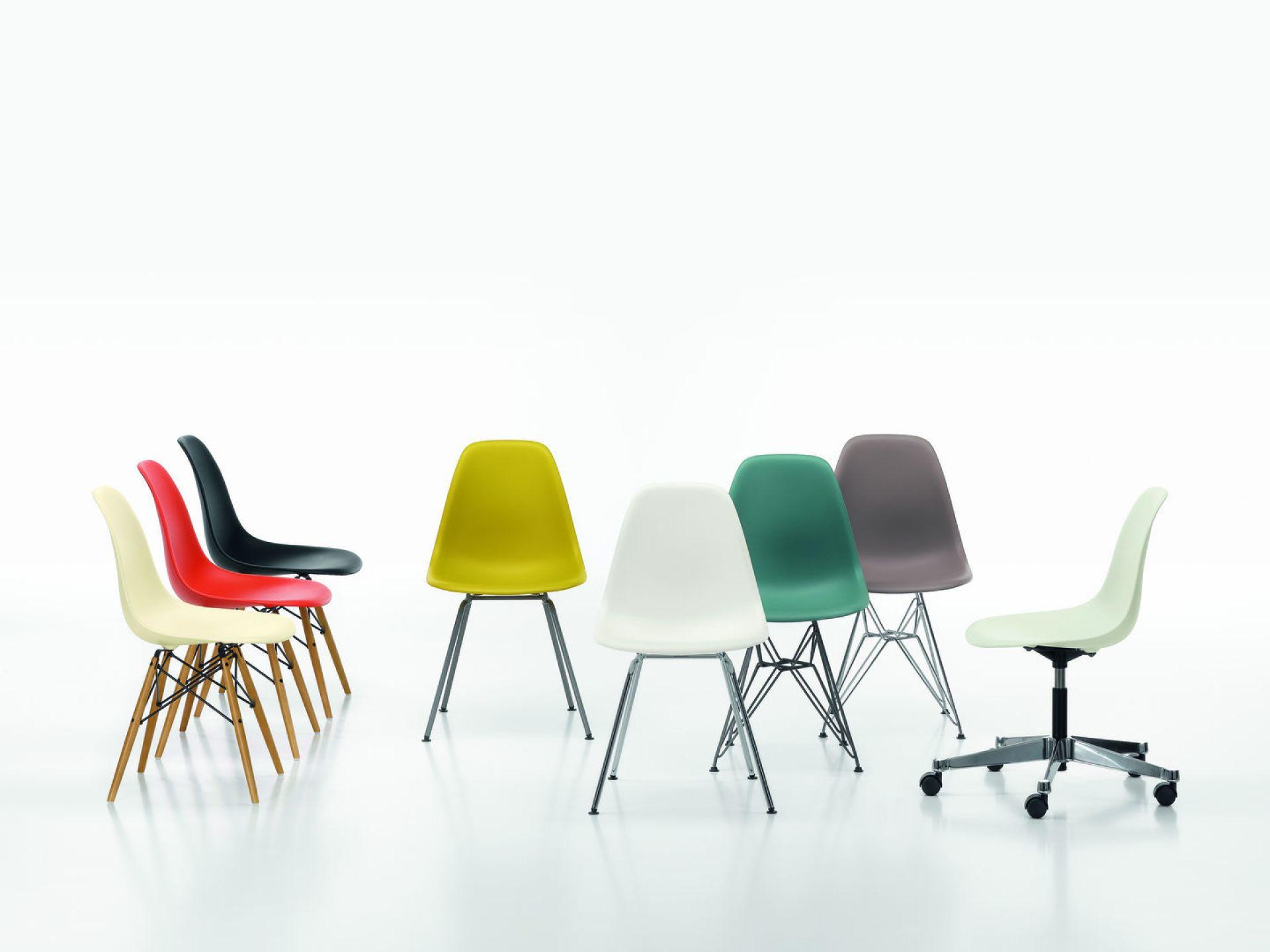 Eames Plastic Side Chair PSCC Drehstuhl mit Sitzpolster Vitra