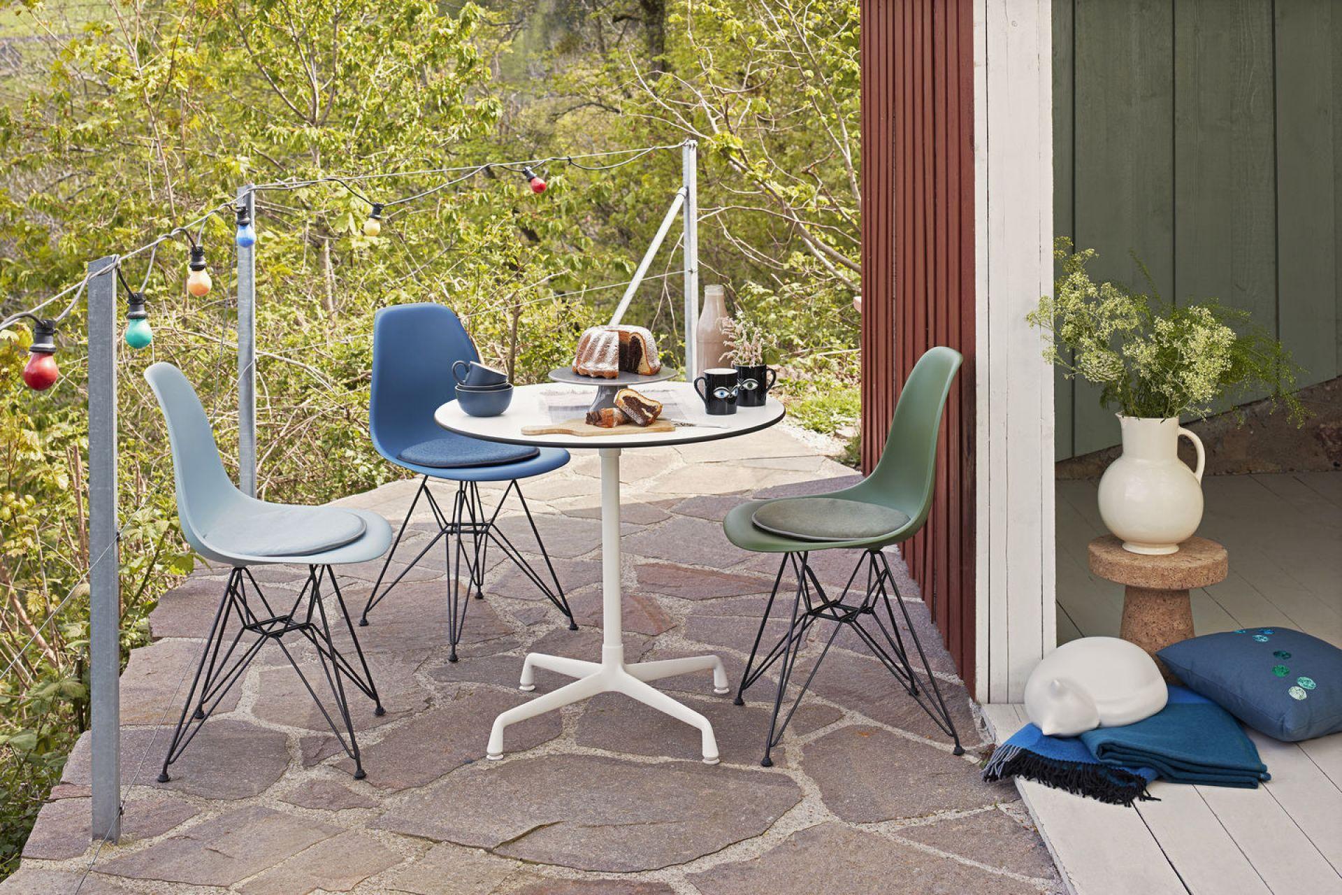 Eames Plastic Side Chair DSR Stuhl Vitra Schwarz-Rost orange